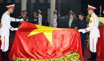 SP - TEM posts - ACTU funerailles de Giap (2013 10 13) (1)