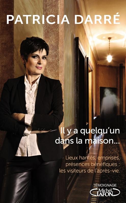 PATRICIA DARRE_il y a quelqu'un dans la maison_DVLP_140X225_DOS 20mm.indd